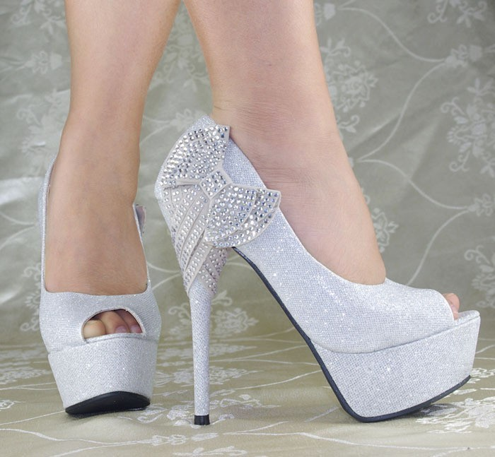 bridal shoes with bows photo - 1