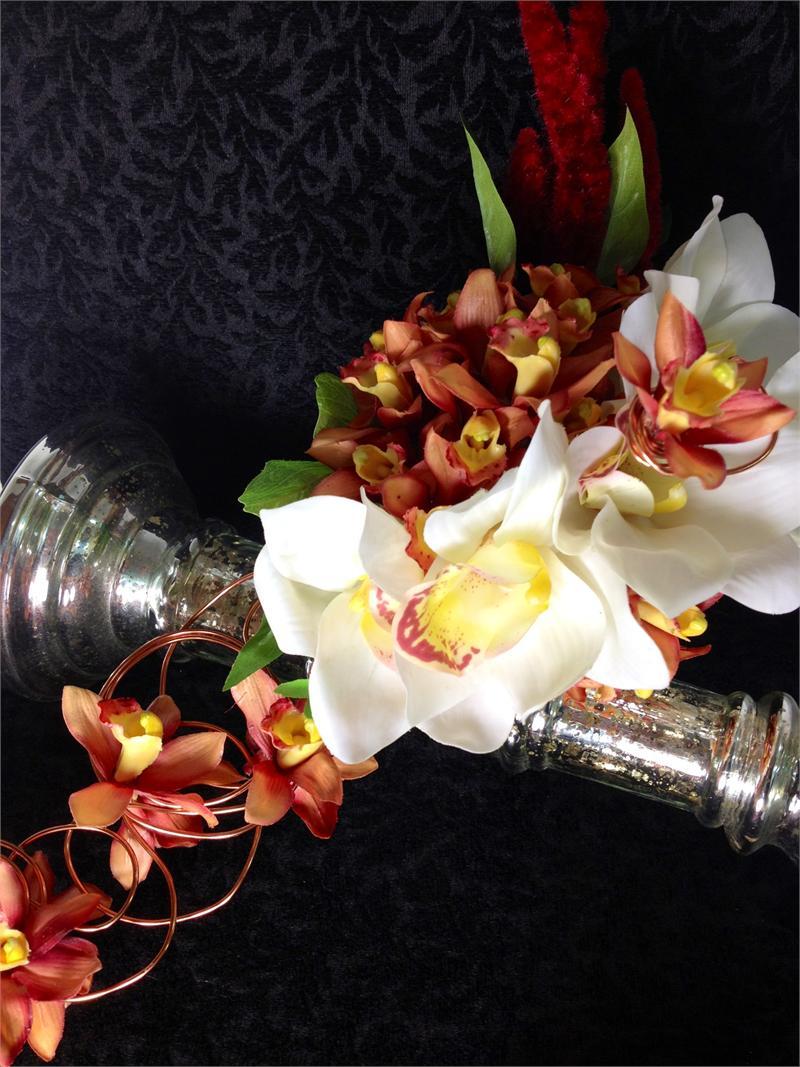 cascade wedding bouquets photo - 1