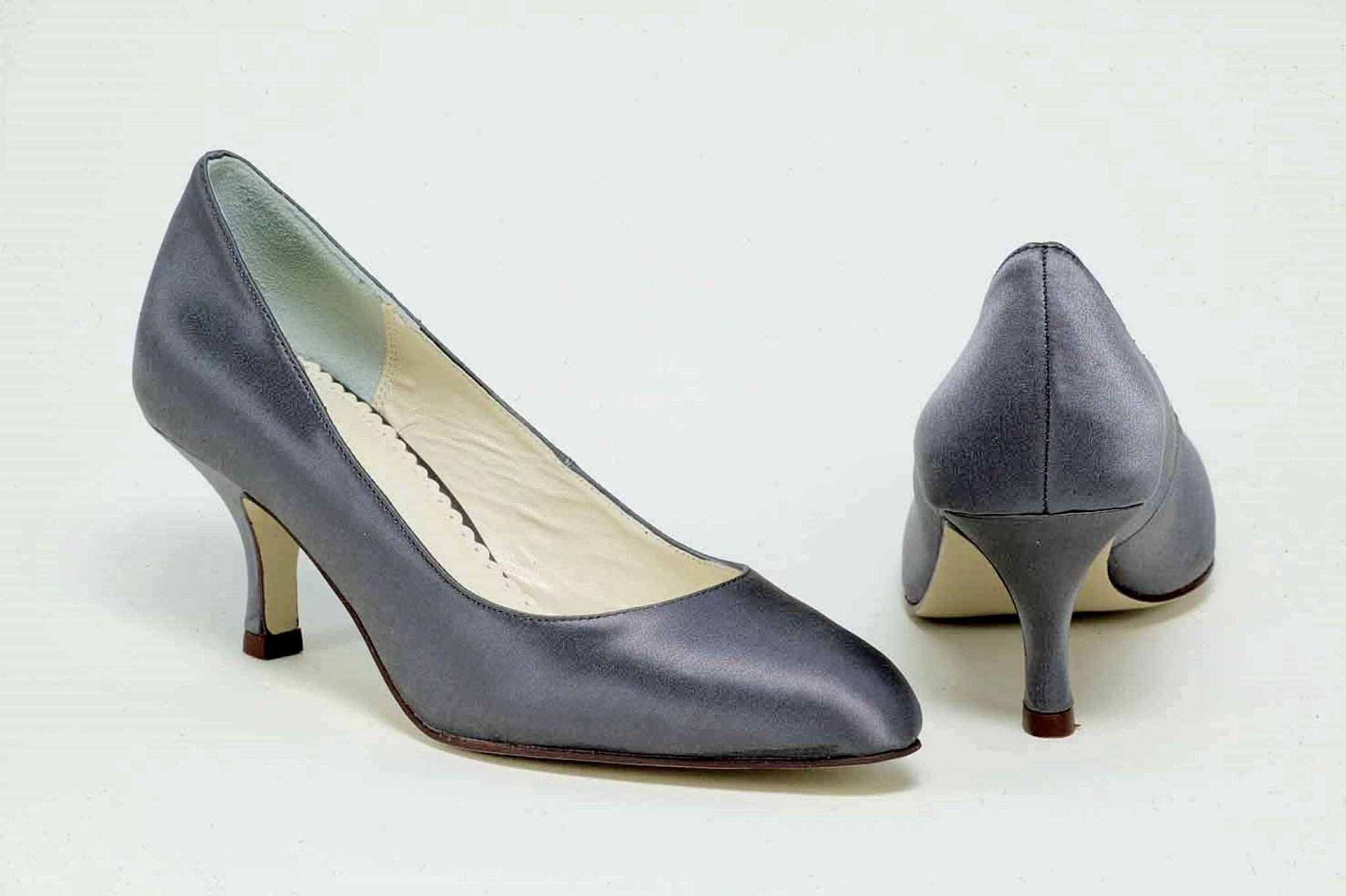 charcoal grey shoes wedding photo - 1