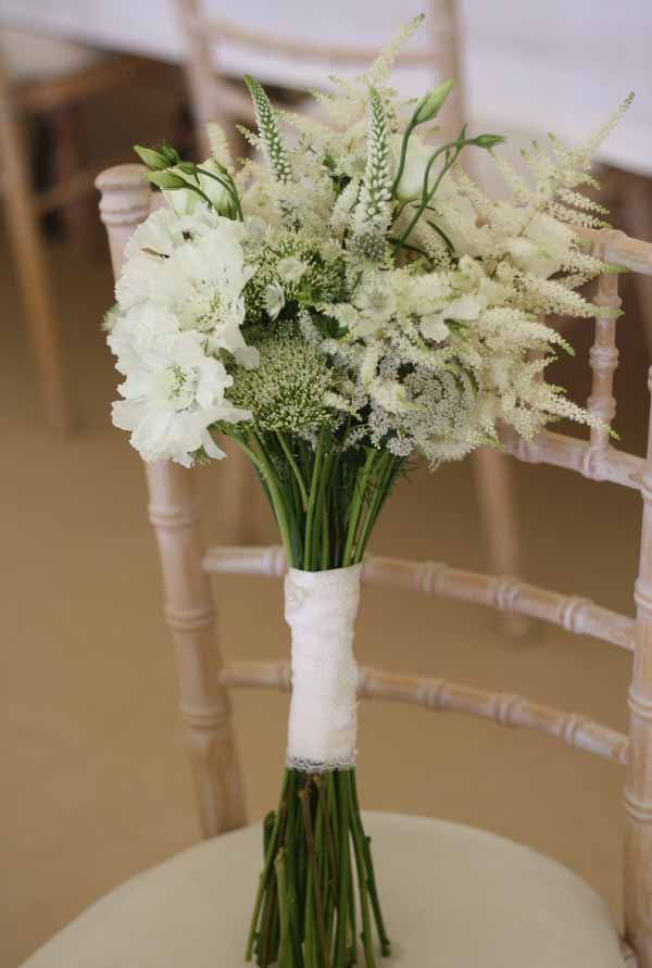 country style wedding bouquets photo - 1