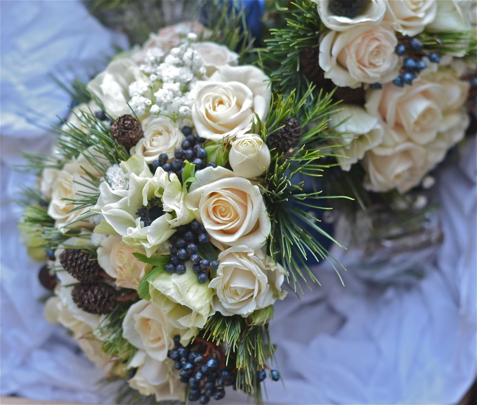 december wedding flowers photo - 1