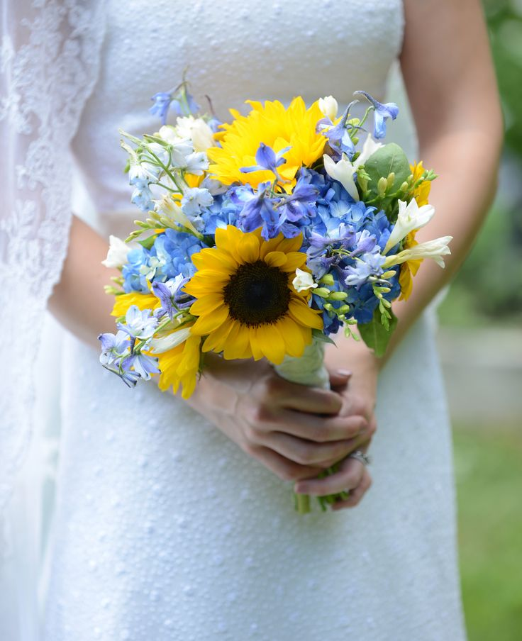 delphinium wedding bouquets photo - 1