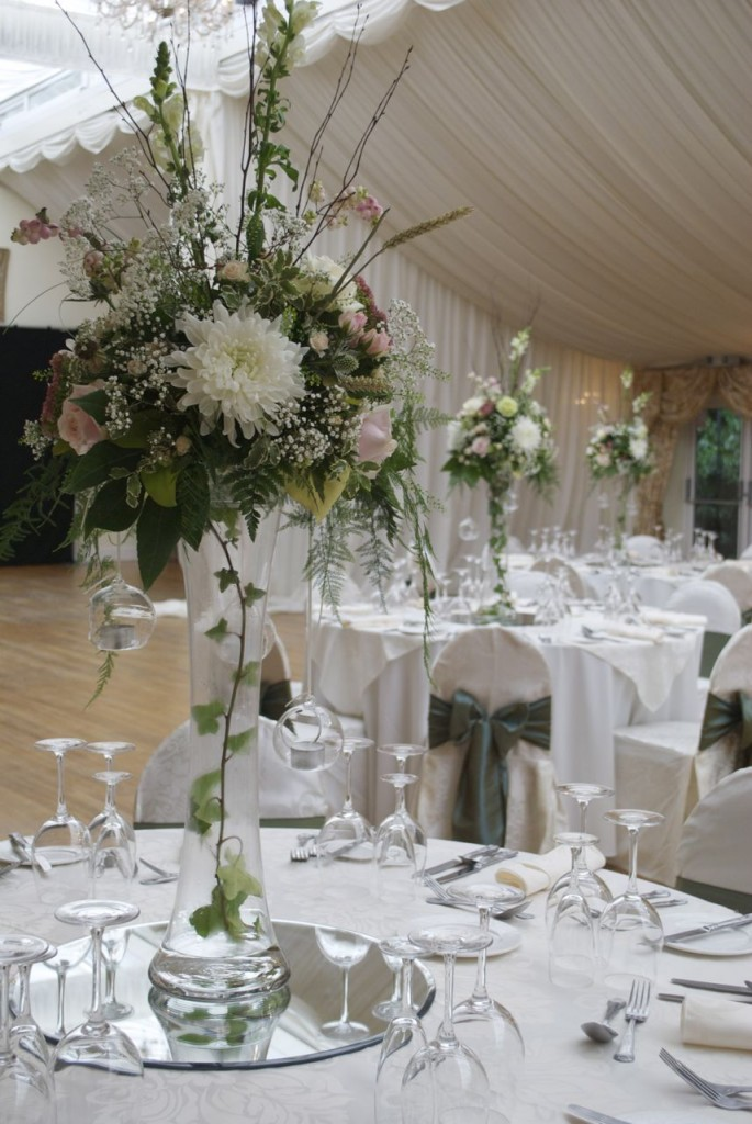 flowers for wedding reception photo - 1