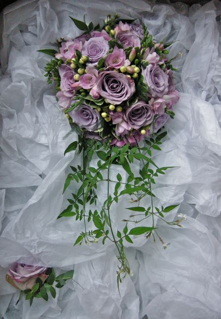 freesia wedding bouquets photo - 1