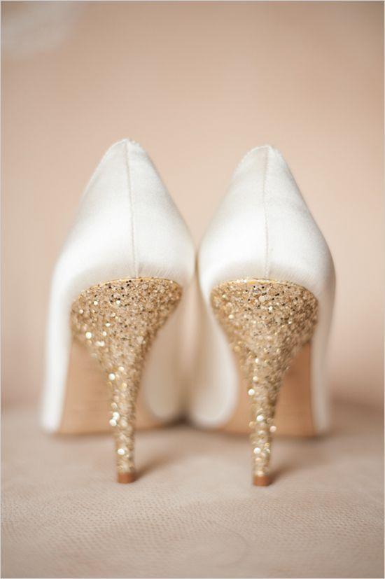 gold glitter bridal shoes photo - 1