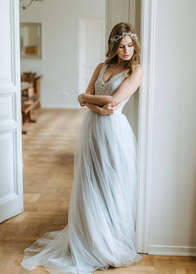 gray wedding shoes photo - 1