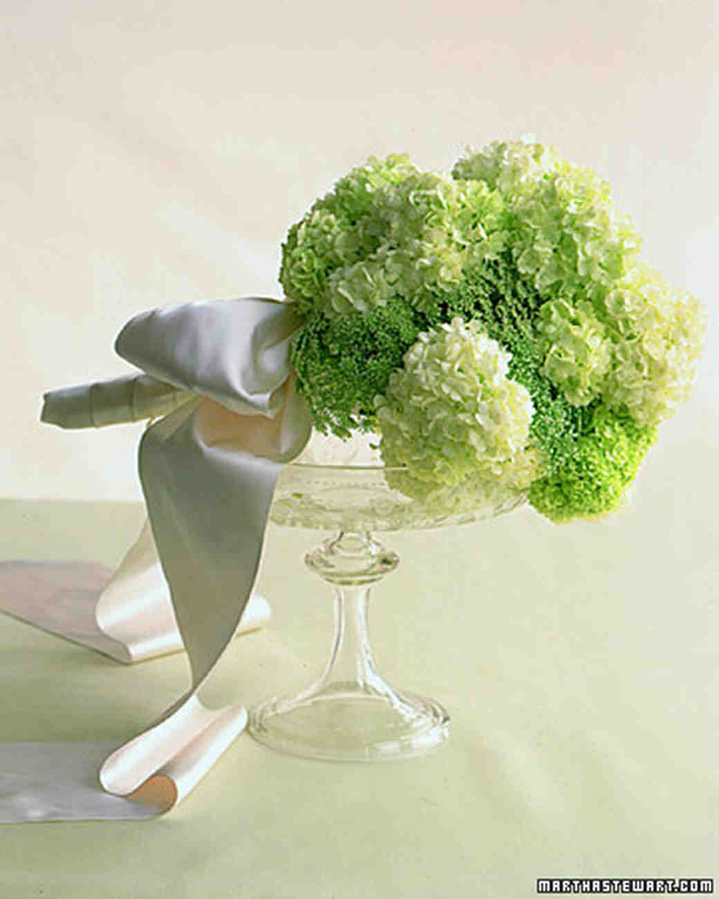 green flowers for wedding bouquets photo - 1