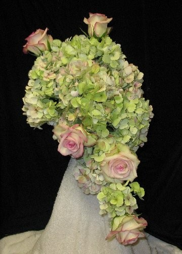 hydrangea and rose wedding bouquets photo - 1