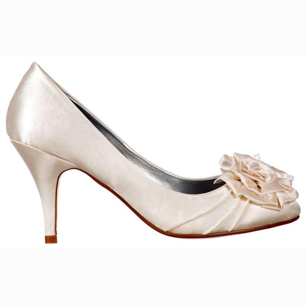 ivory kitten heels wedding shoes photo - 1