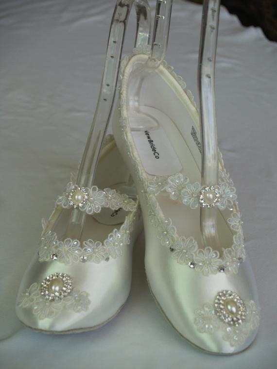 ivory wedding flat shoes photo - 1