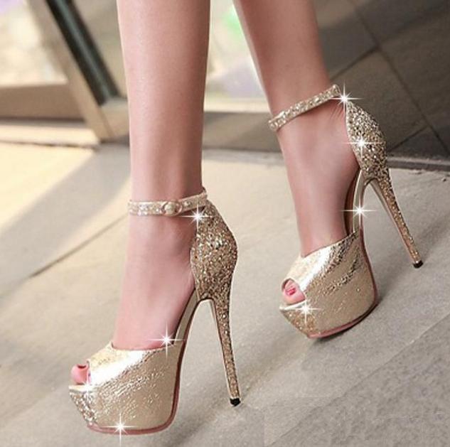 jessica simpson wedding shoes photo - 1
