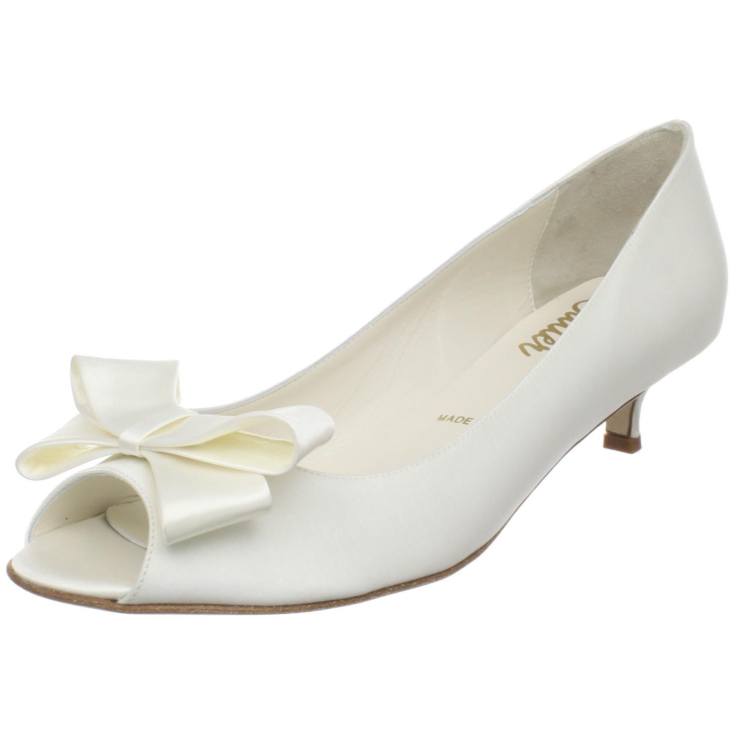 kitten heel bridal shoes photo - 1