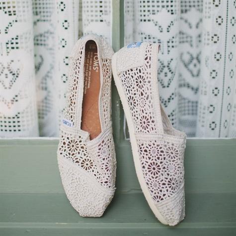 lace toms wedding shoes photo - 1