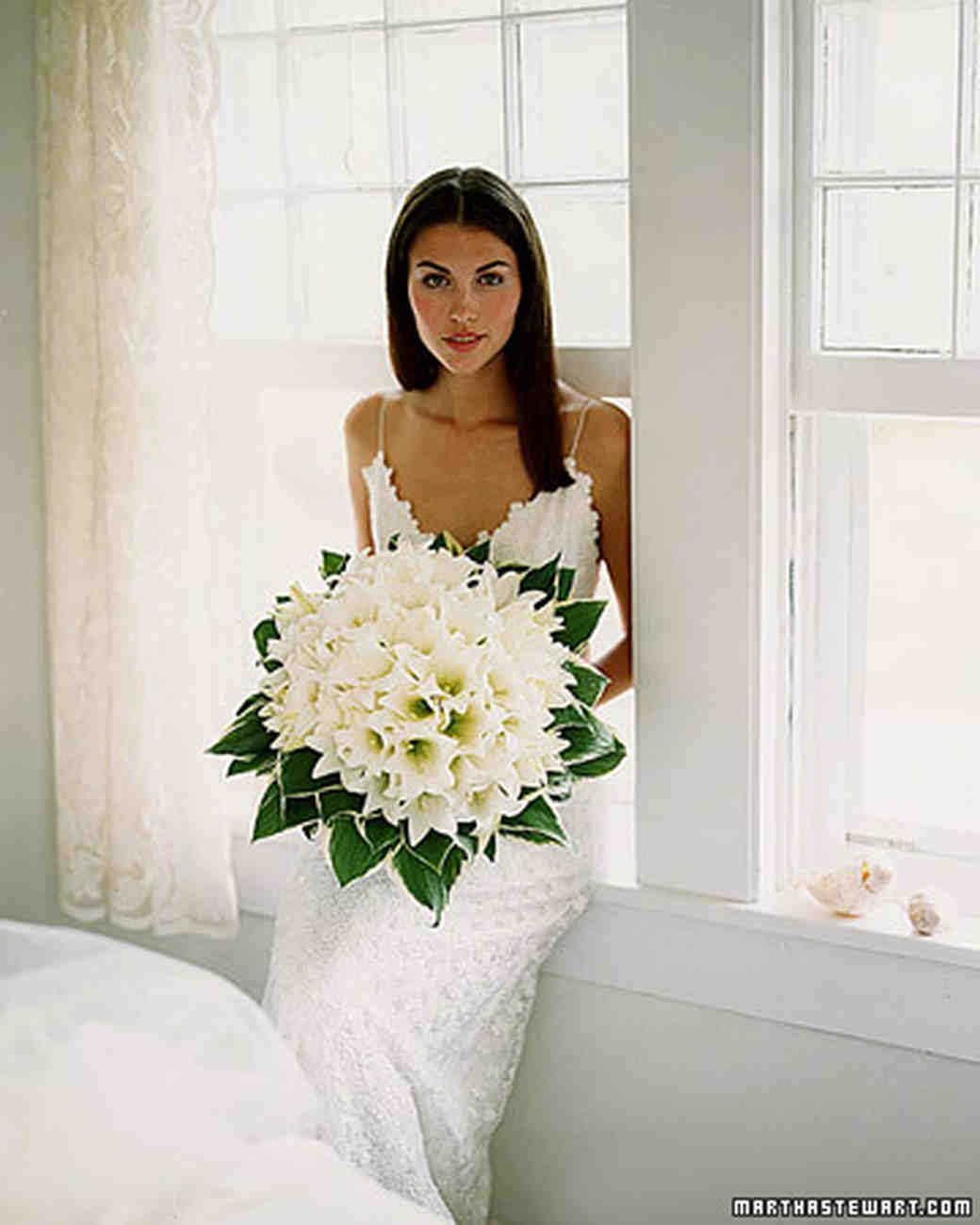 lilly bridal bouquets photo - 1