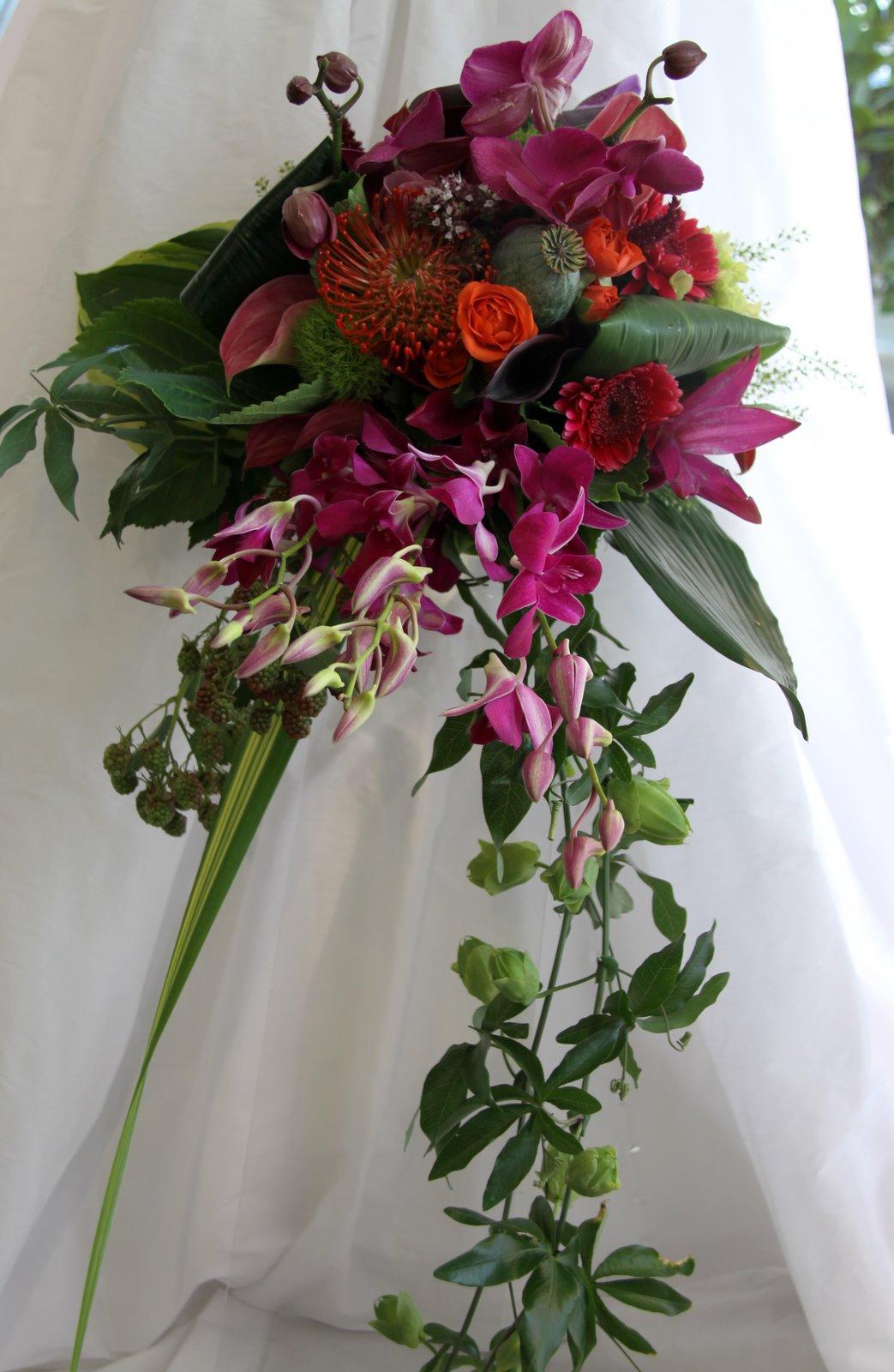 magenta wedding bouquets photo - 1