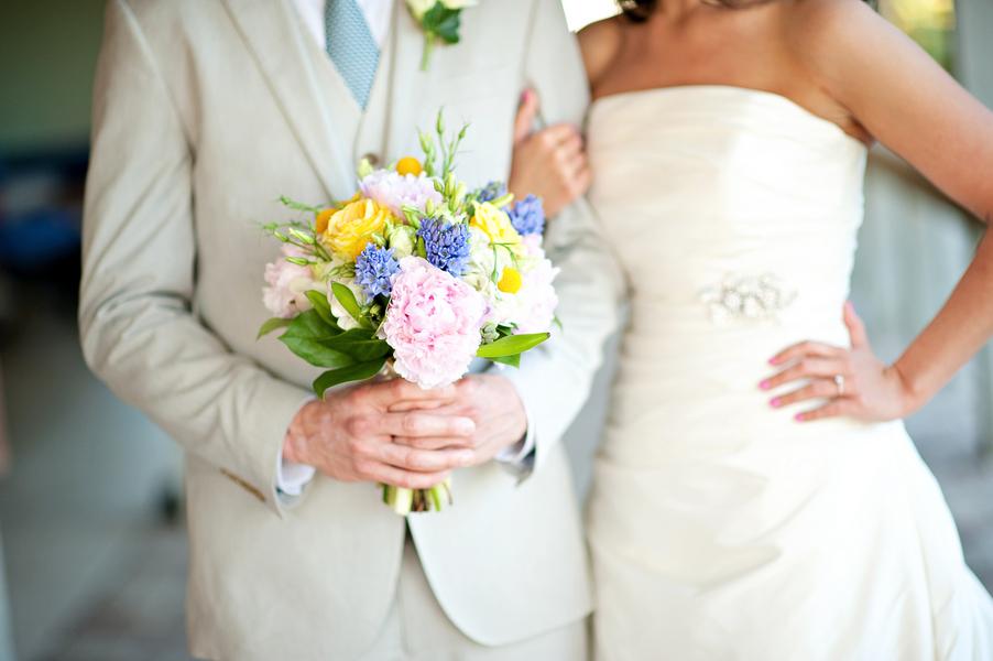 navy wedding bouquets photo - 1