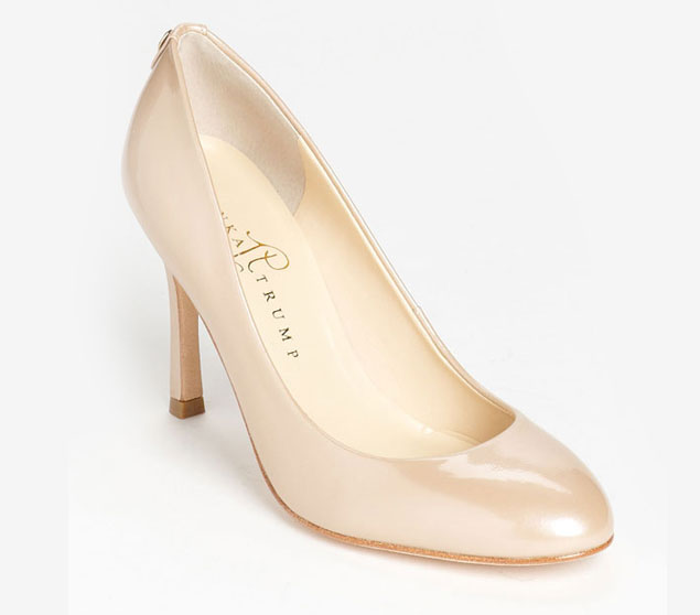 nude shoes for wedding photo - 1