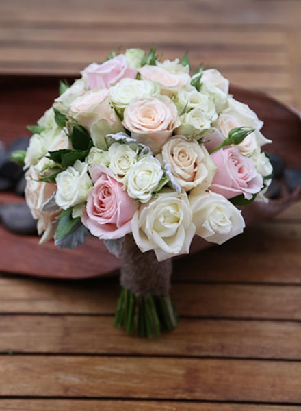 peach wedding flowers photo - 1