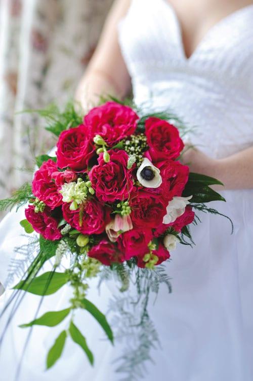 pink rose wedding bouquet photo - 1
