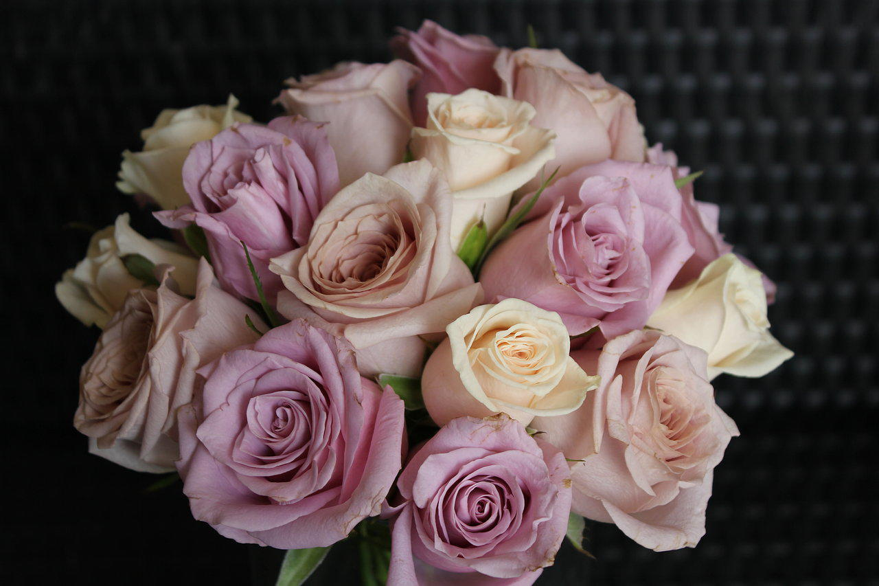 pink rose wedding bouquets photo - 1