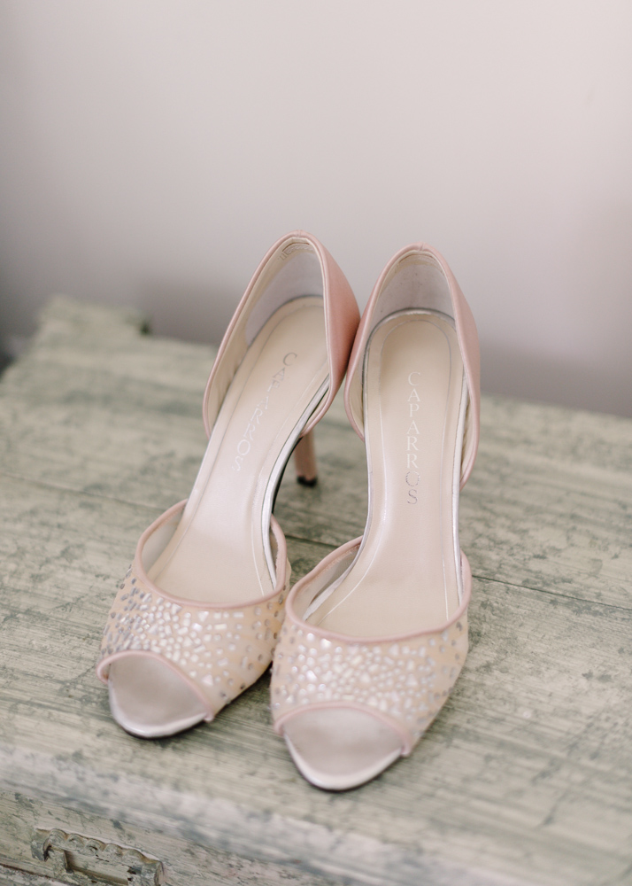 pink shoes for wedding photo - 1