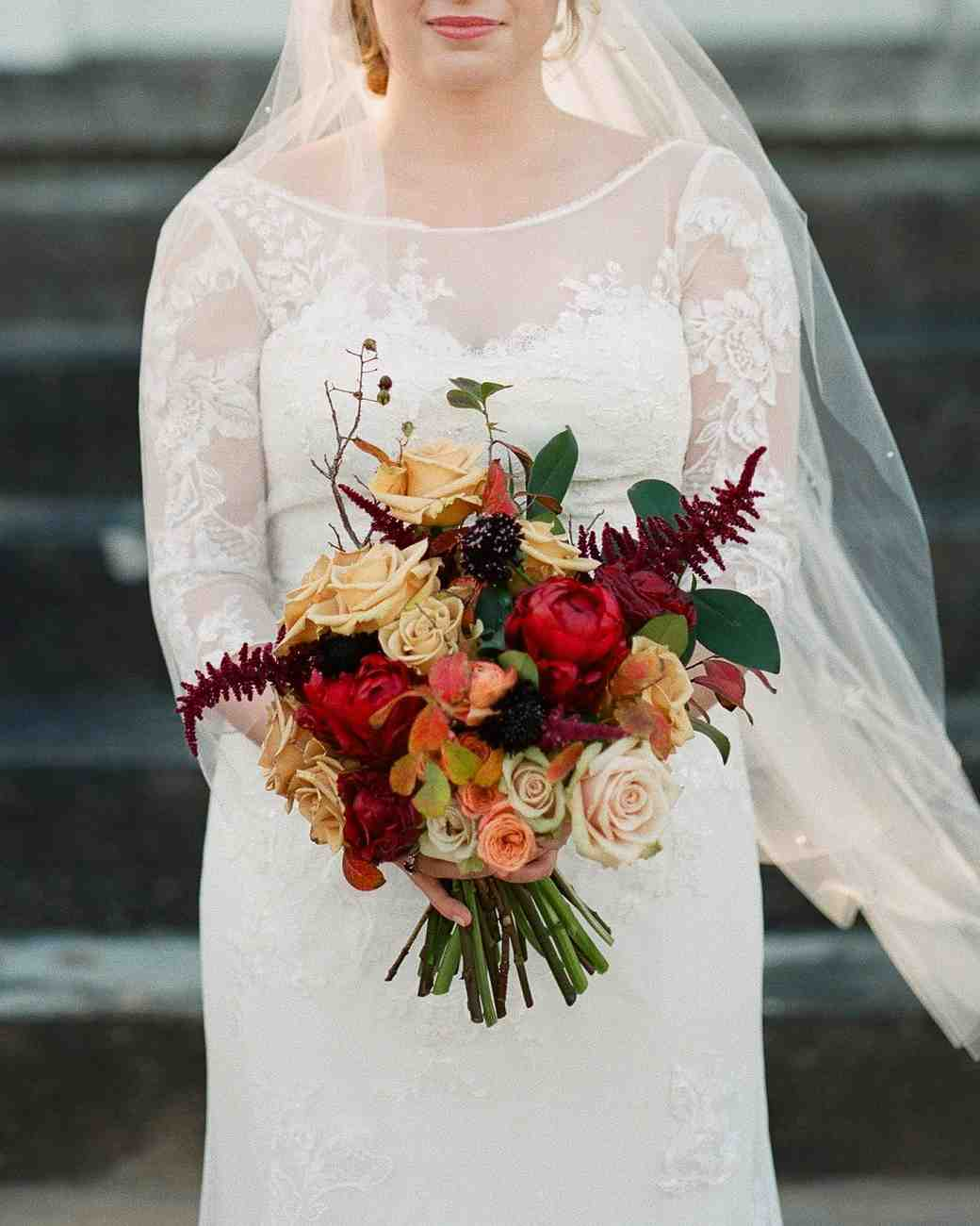 red black wedding bouquets photo - 1