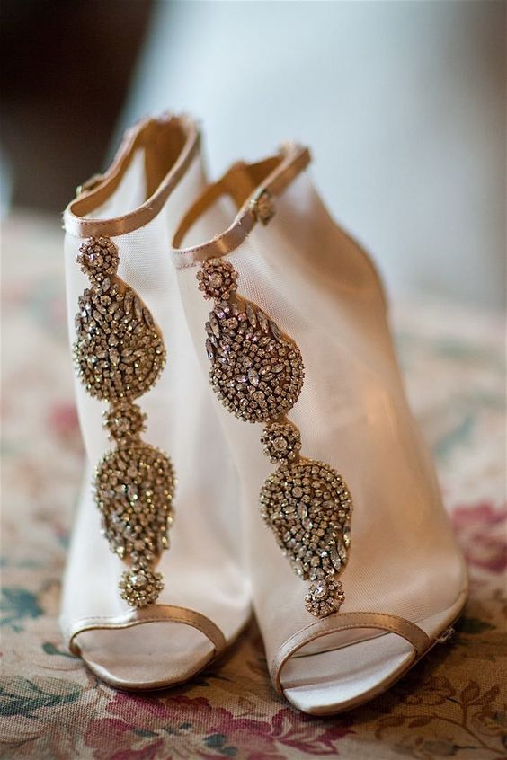 red flats wedding shoes photo - 1