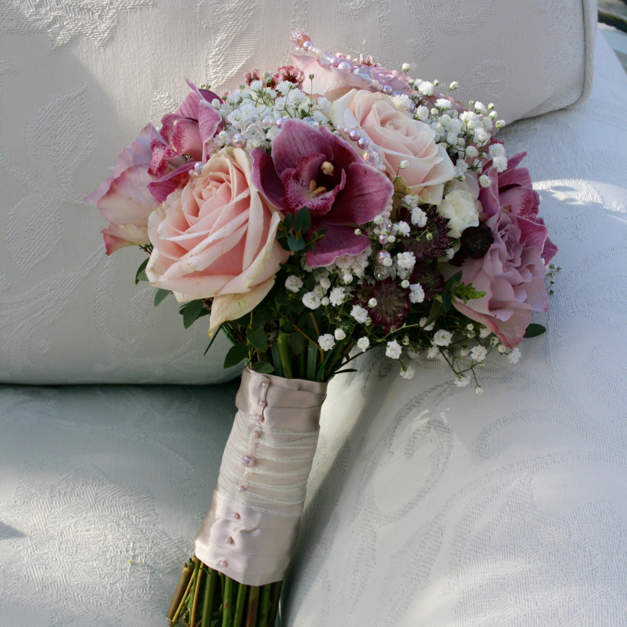 red rose bouquet for wedding photo - 1