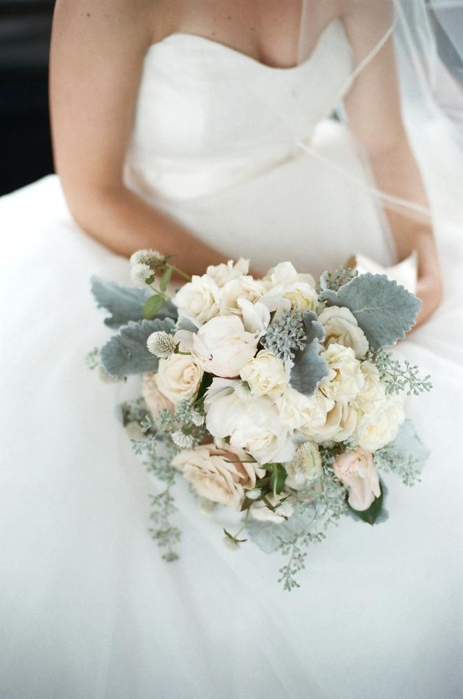 romantic wedding bouquets photo - 1