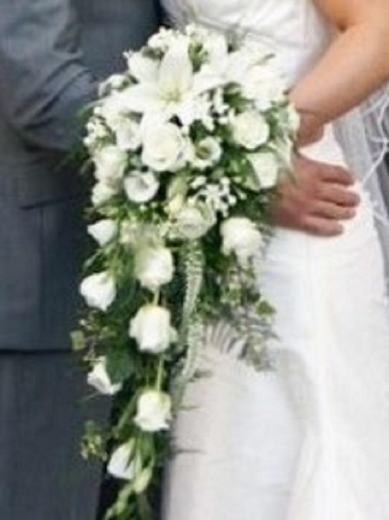 rose bouquet wedding photo - 1