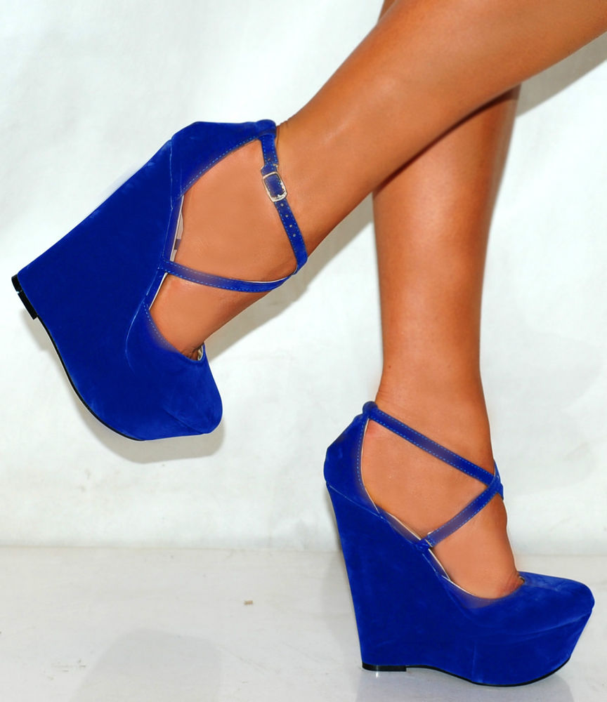 sapphire blue wedding shoes photo - 1