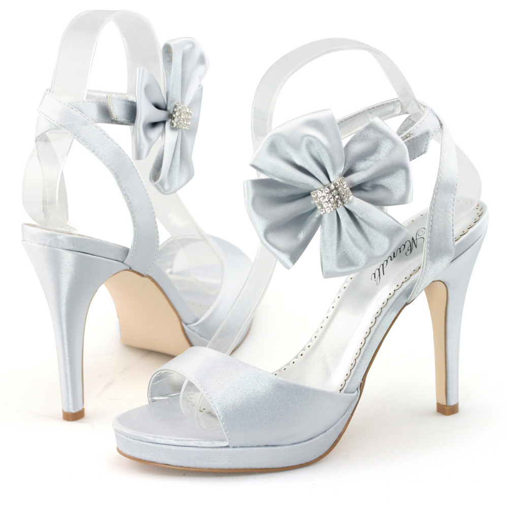 silver satin wedding shoes photo - 1