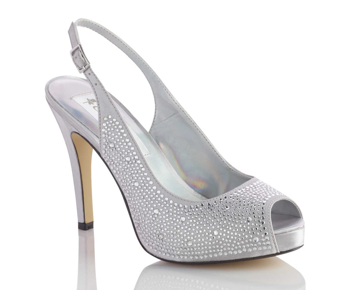 silver wedding shoes photo - 1