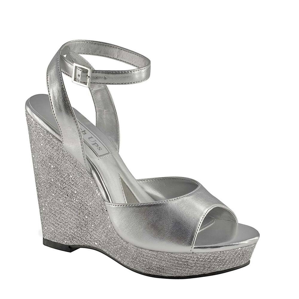 silver.glitter shoes for wedding photo - 1