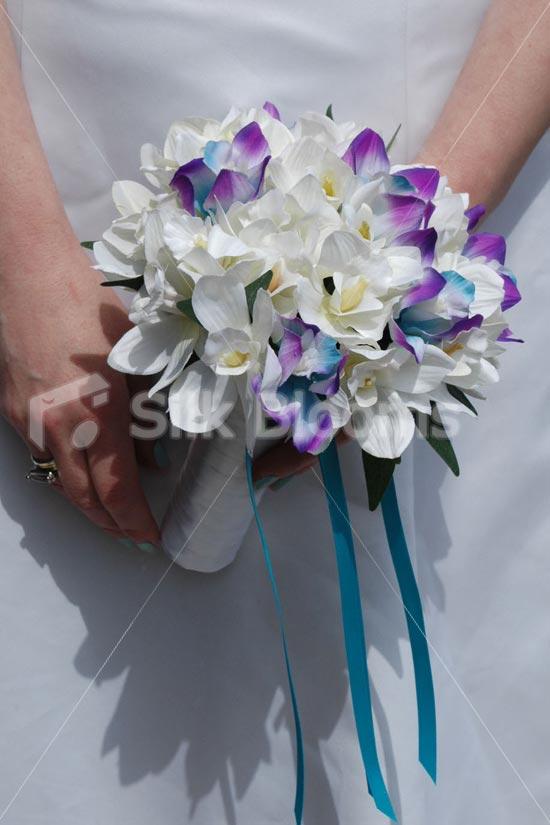 stargazer lilies wedding bouquet photo - 1