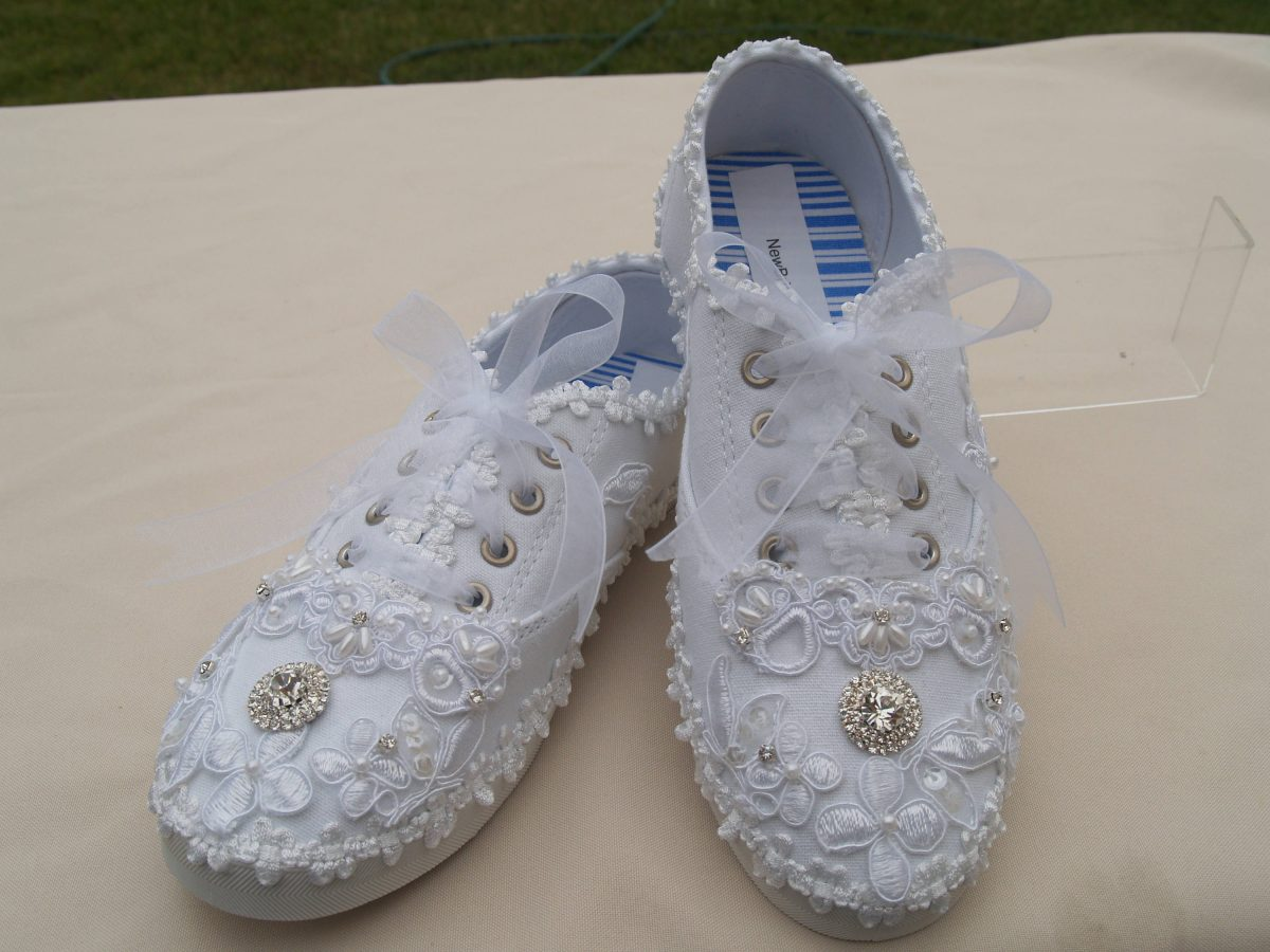 tennis shoes for wedding photo - 1