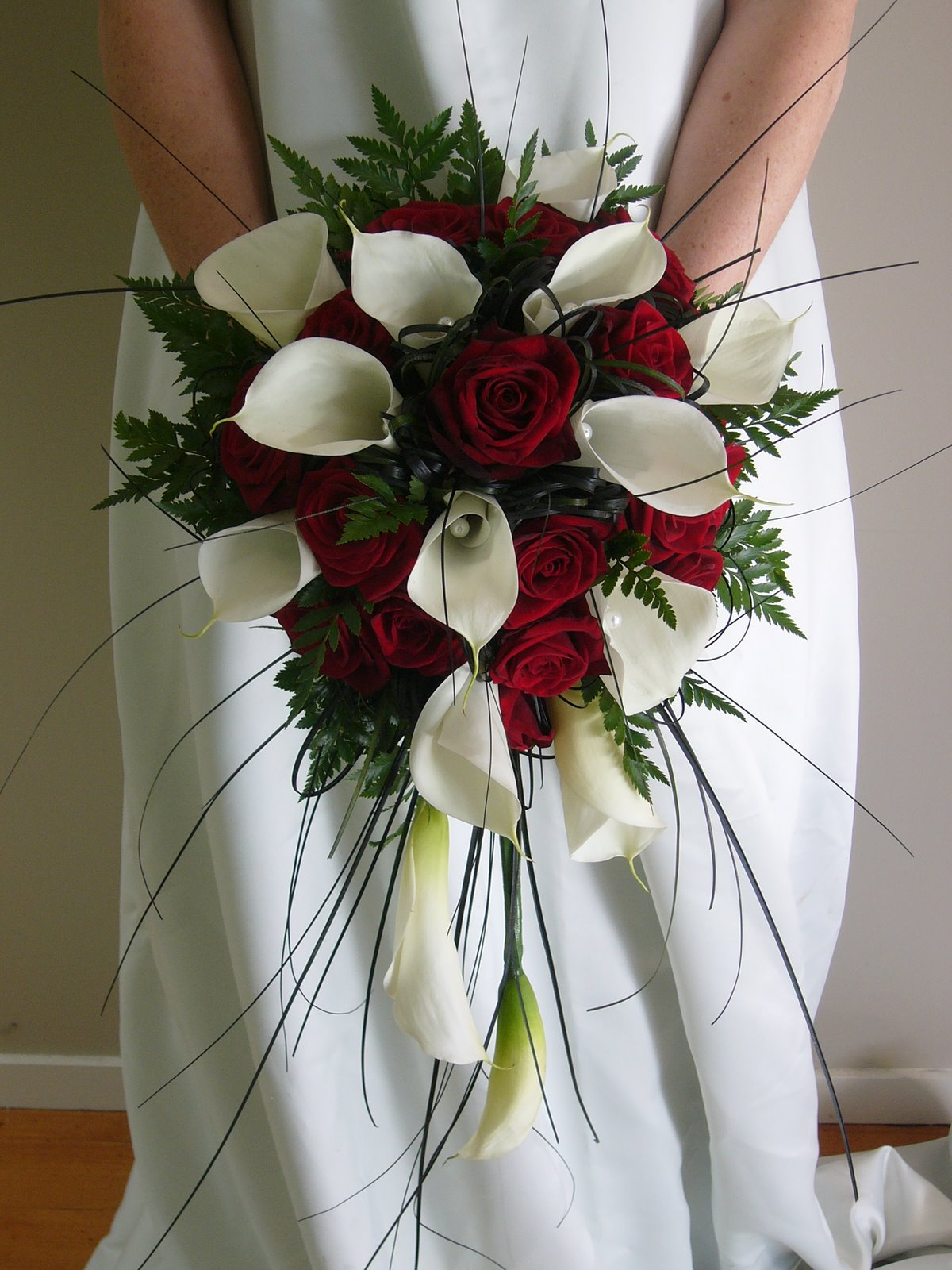 wedding bouquets red and white photo - 1