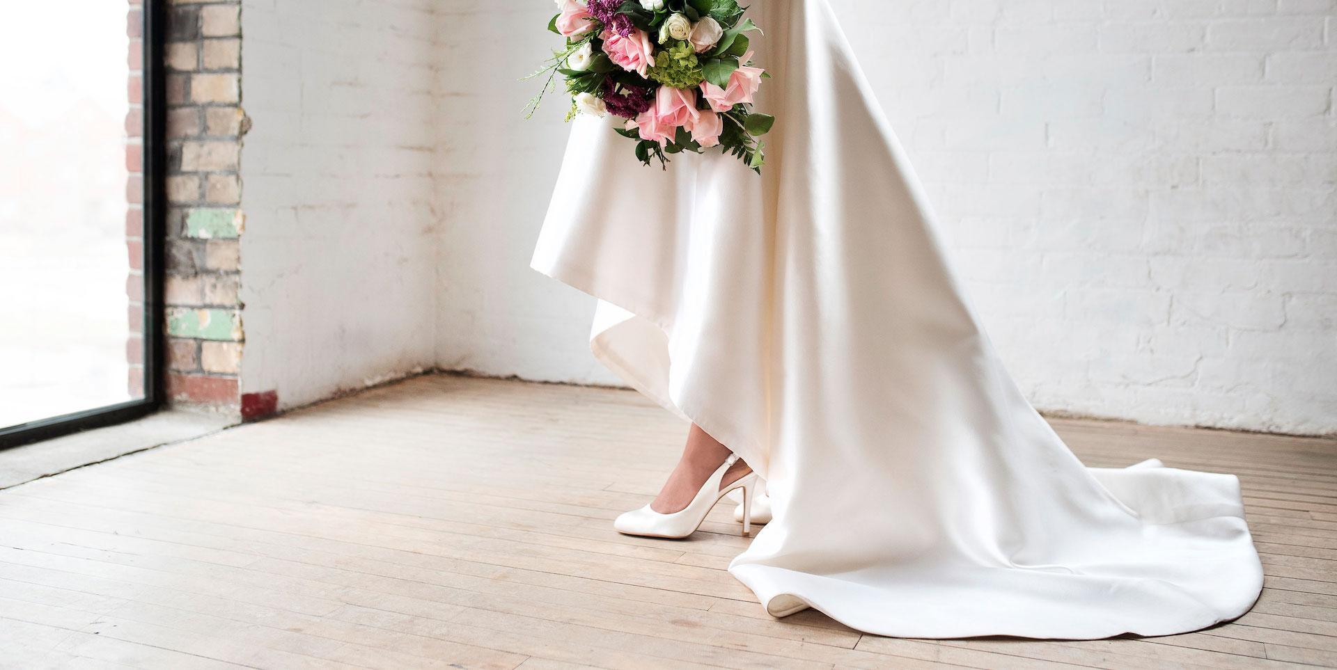 Wedding Dress With Shoes Florida Photo Magazine Com