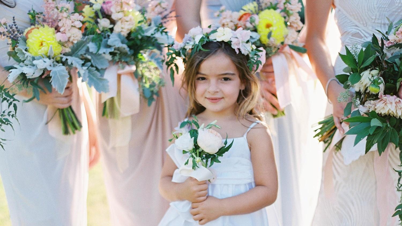 wedding flowers girl photo - 1
