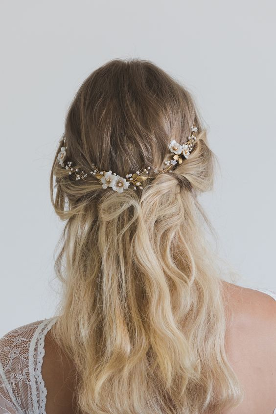 wedding hair down with flowers photo - 1
