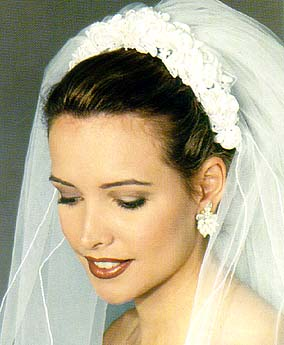 wedding hairstyles with flowers photo - 1