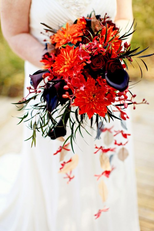 wedding red bouquets photo - 1