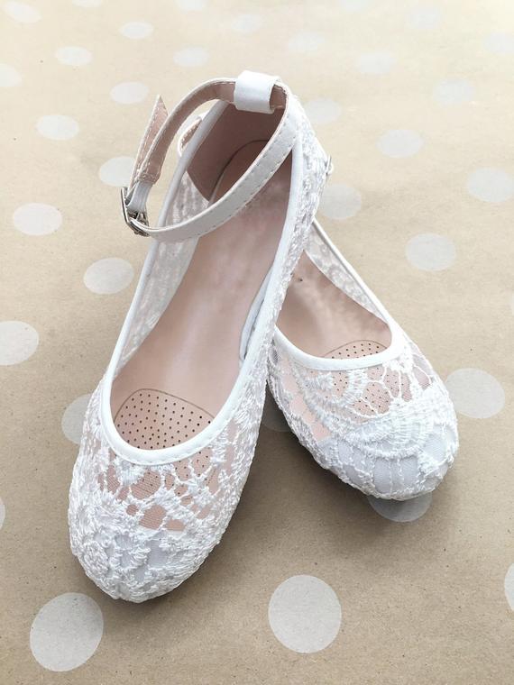 wedding shoes ivory lace photo - 1