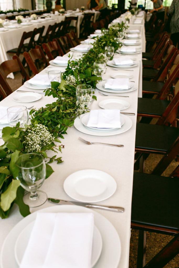 wedding table flower photo - 1