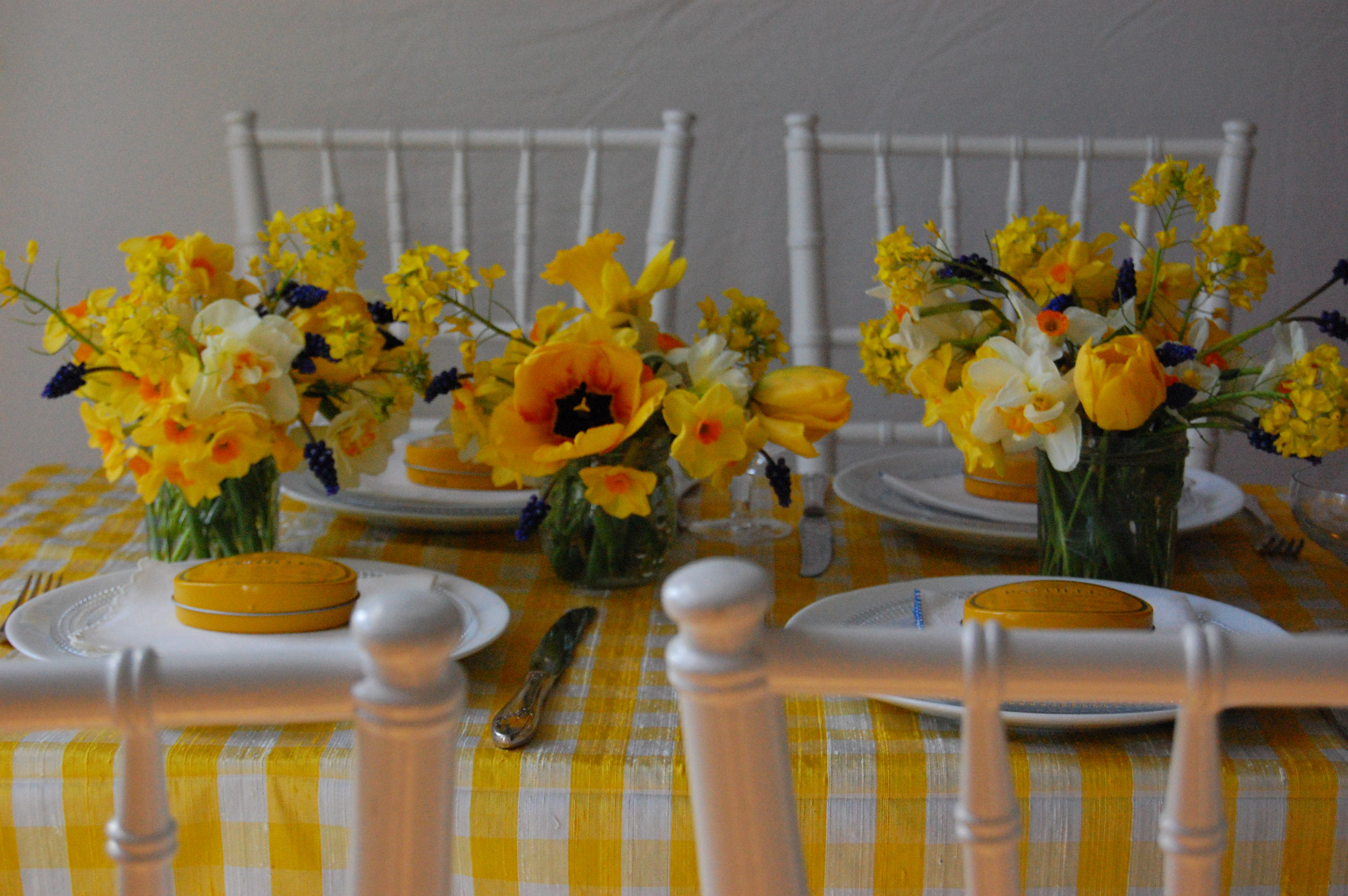 white and yellow wedding bouquets photo - 1