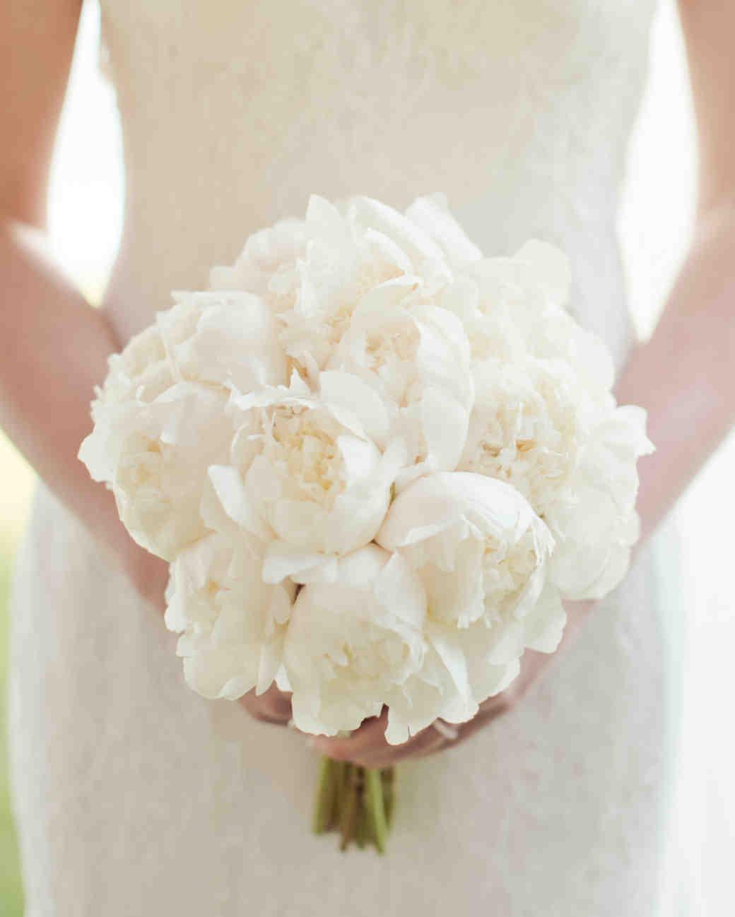 white wedding bouquets flowers photo - 1