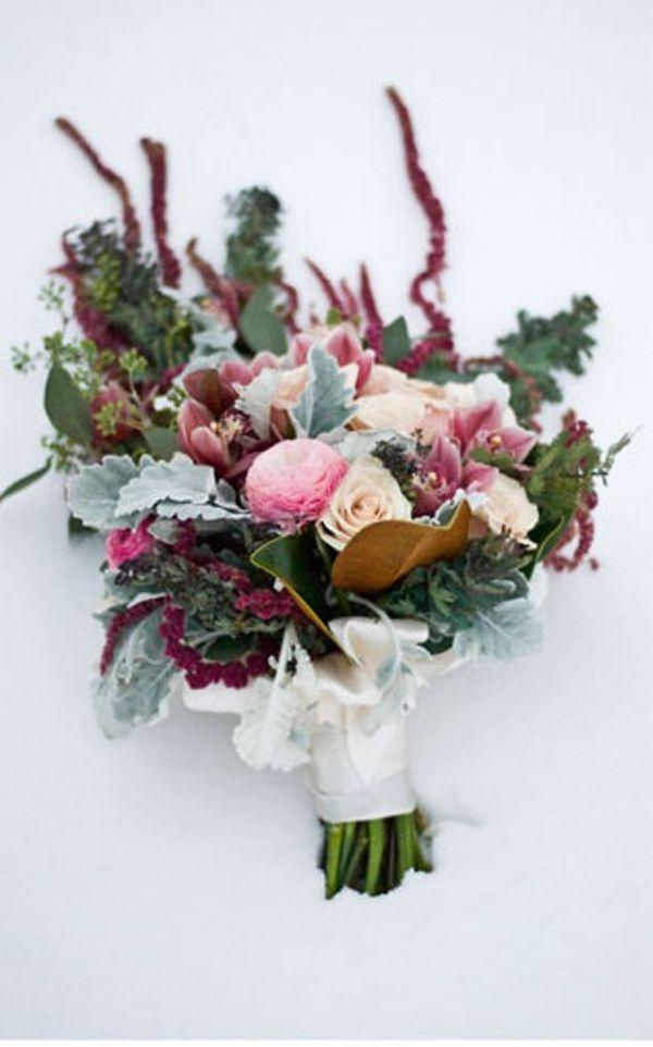 winter white wedding bouquets photo - 1