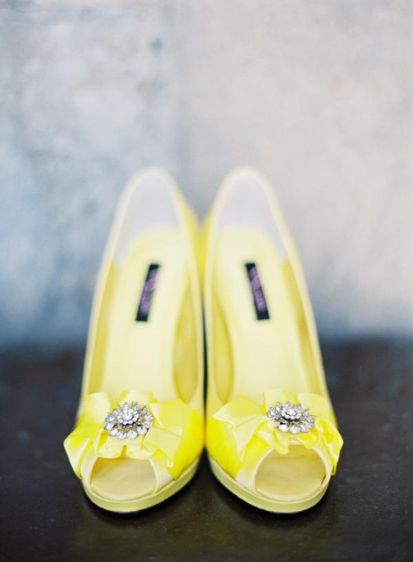 yellow wedding shoes photo - 1